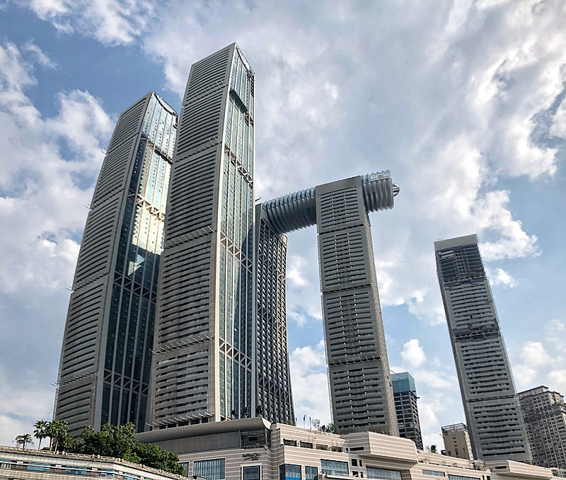 Raffles City Chongqing (Photo: Junyi Lou - Own work, CC BY-SA 4.0, https://commons.wikimedia.org/w/index.php?curid=81872456)